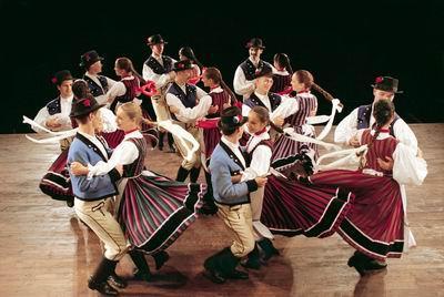 Danses Hongroises + déjeuner spectacle