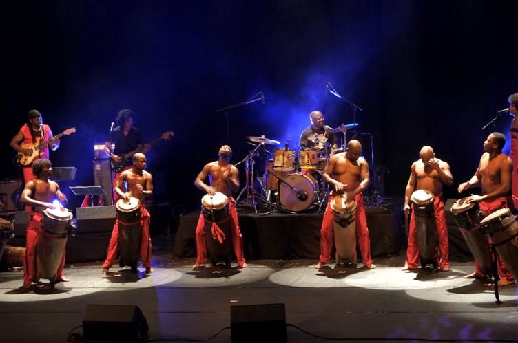 Les tambours de BRAZZA – KIKULU (retour aux sources)